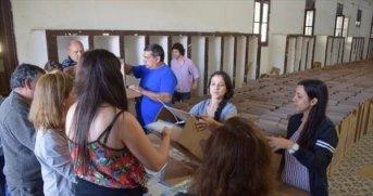 Se distribuyen las 2.504 urnas en escuelas que funcionarán como centro de votación