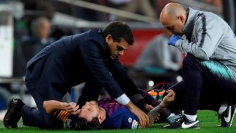 Lionel Messi cayó mal y se fracturó el brazo derecho