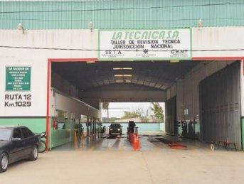 Banda de motochorros asaltó un taller de revisión técnica vehicular