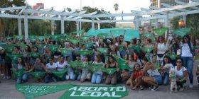 Renovaron el pedido de despenalización del aborto con un pañuelazo verde en la plaza Vera