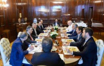 Gustavo Valdés compartió un almuerzo con Macri y otros funcionarios nacionales
