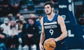 Leandro Bolmaro se convirti� en el argentino m�s joven en debutar en la NBA